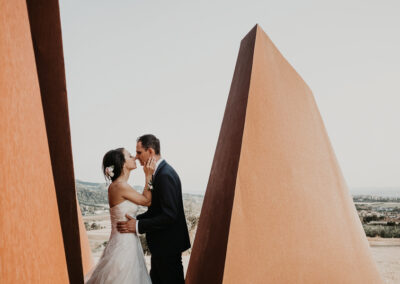 sposi su scultura